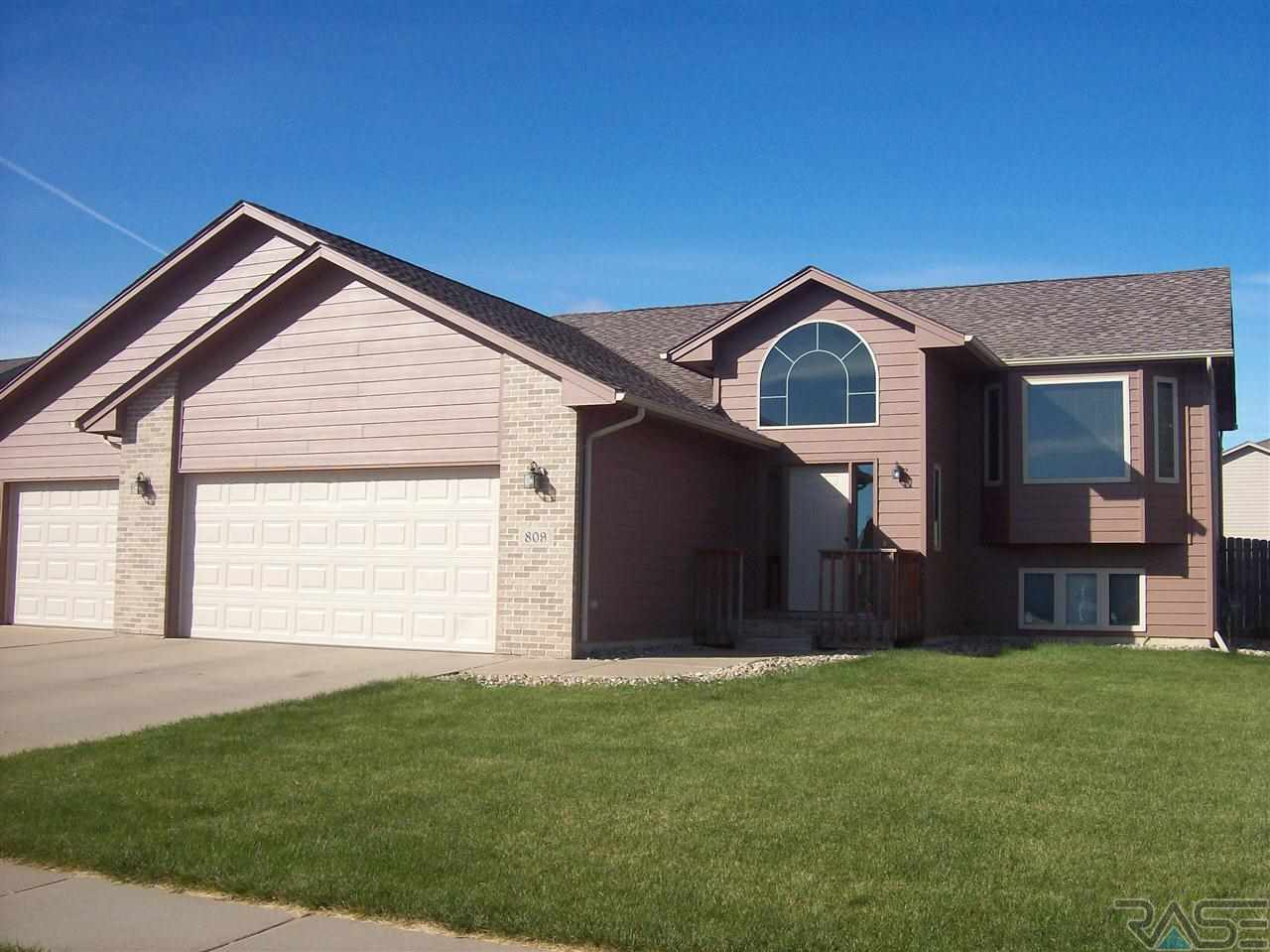 809  S Clearbrook Ave Avenue, SIOUX FALLS, 57106, SD