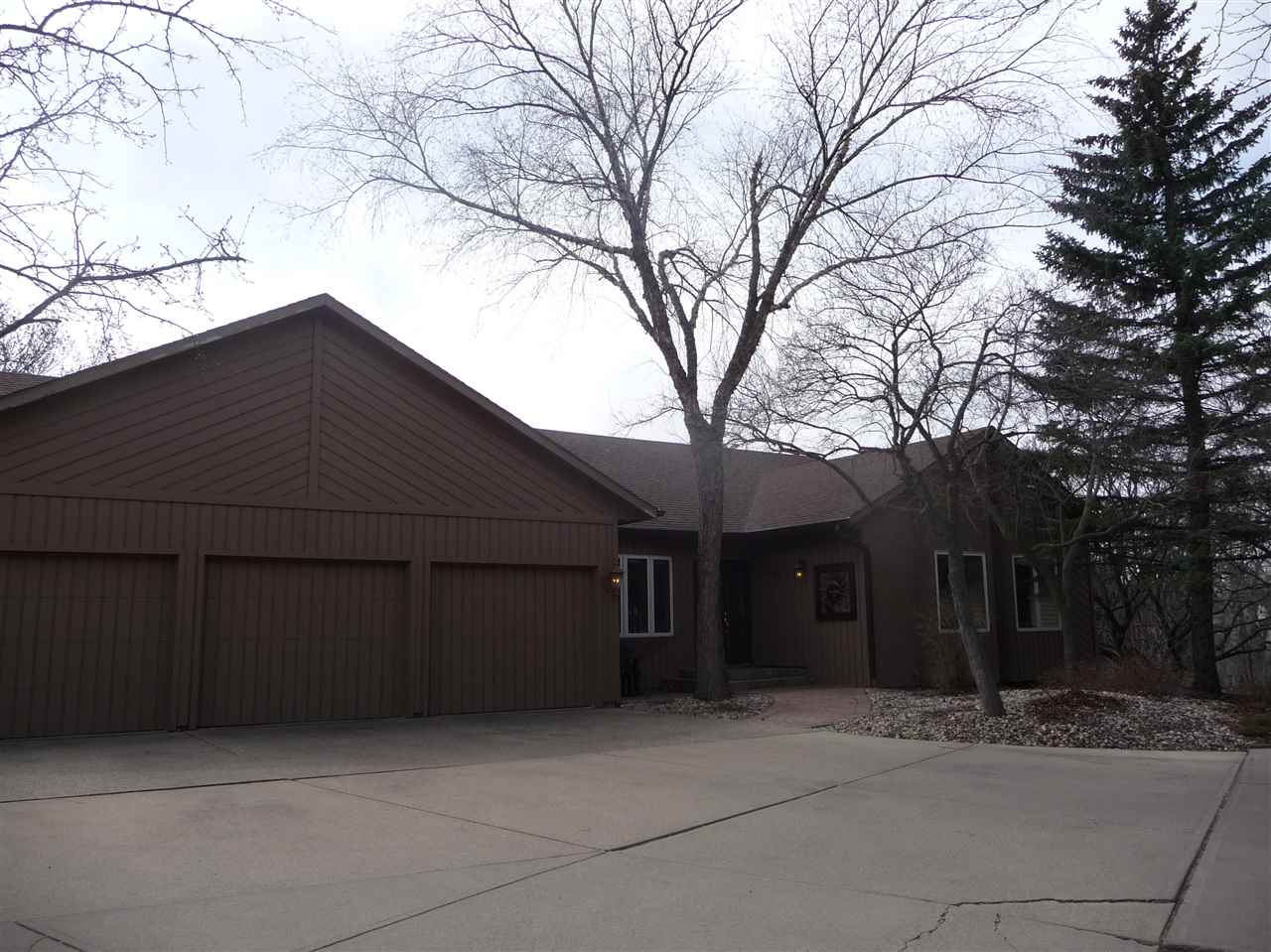 4227  E Thornwood Pl Place, SIOUX FALLS