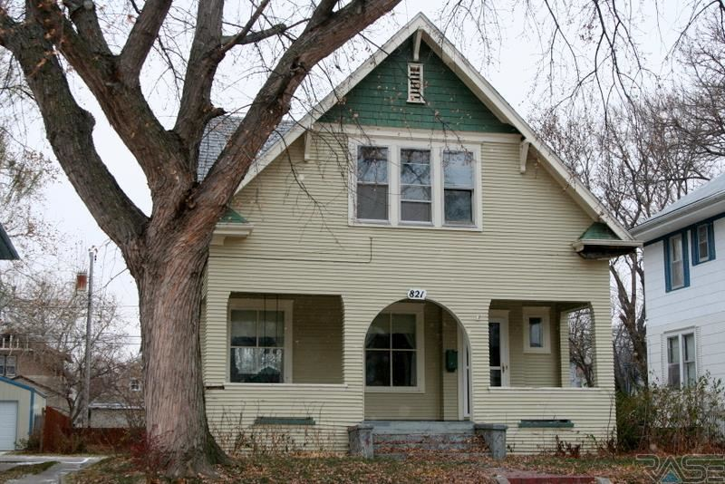 821  S Spring Ave Avenue, SIOUX FALLS